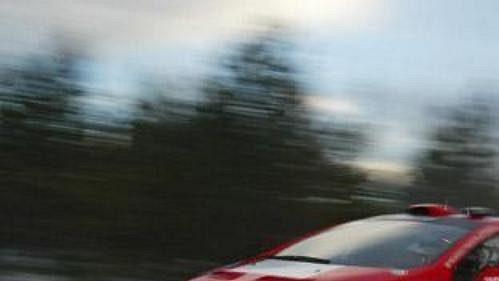 Belgičan Freddy Loix s peugeotem na trati čtvrtečního shakedownu Švédské rallye.