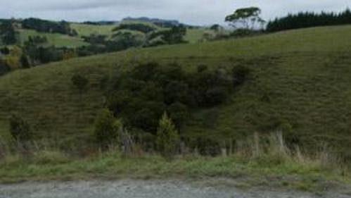 Marcus Grönholm s peugeotem na trati shakedownu Rallye Nový Zéland.