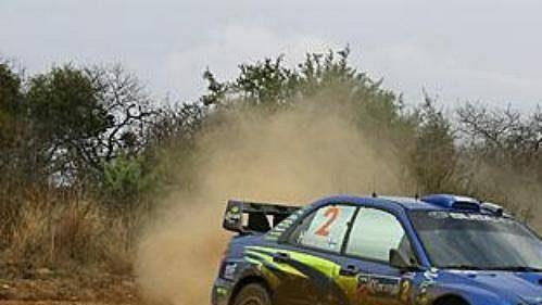 Fin Mikko Hirvonen se subaru na trati první etapy Mexické rallye.