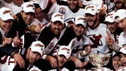 Hokejisté New Jersey Devils se ze zisku Stanley Cupu radovali po třetí v historii klubu.
