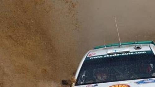 Toni Gardemeister za volantem Fabie WRC na trati druhé rychlostní zkoušky rallye Akropolis.
