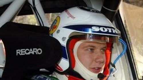 Přípravy Fina Gardemeistera s Fabií WRC před startem sedmé rychlostní zkoušky Australské rallye.