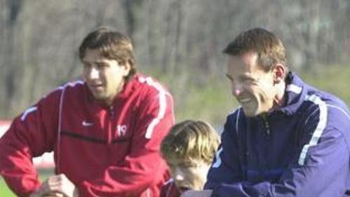 František Straka (vpravo) vede první trénink Sparty.