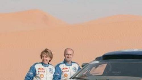 Testy vozu VW Touareg-Racing v marocké poušti.