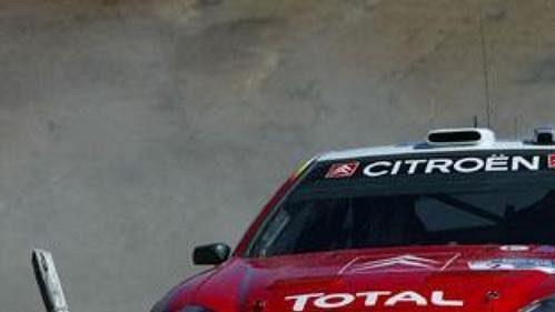 Francois Duval s vozem Citroën Xsara WRC na trati Rallye Mexiko.