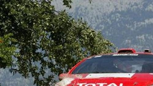Marcus Gronholm s peugeotem na trati Turecké rallye.