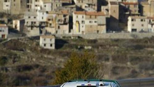 Francouz Alexandre Bengue s vozem Škoda Fabia WRC na trati druhé rychlostní zkoušky Ralye Monte Carlo 2005.