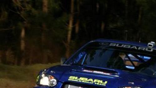 Norský závodník Petter Sollberg na voze Subaru Impreza na trati Australské rallye.