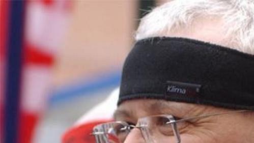 Premiér Vladimír Špidla v cíli sobotního půlmaratónu Hervis 1/2Maraton Praha.