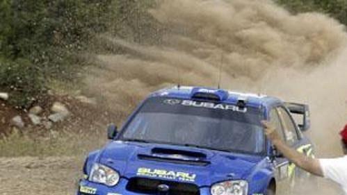 Petter Solberg se subaru na trati první etapy Rallye Akropolis.