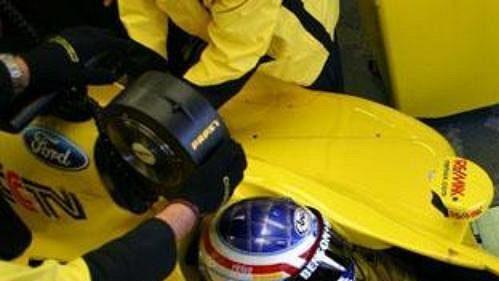 Jarek Janiš v boxech ve španělském Jerezu při testech ve stáji formule 1 Jordan.