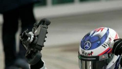 Je dobojováno. Kimi Räikkönen dojel v Indianapolis druhý za Michaelem Schumacherem.