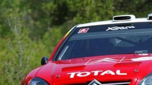 Sebastien Loeb s citroenem na trati Turecké rallye.