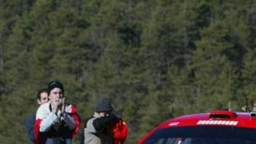 Estonec Markko Märtin s vozem Peugeot 307 WRC na trati druhé etapy Rallye Monte Carlo
