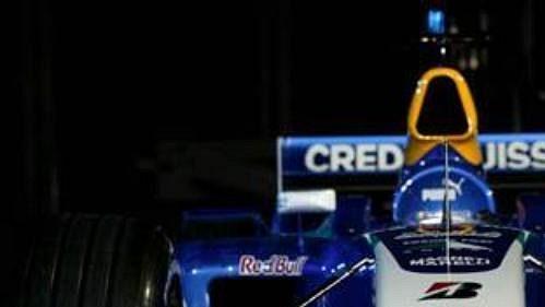 Stáj formule 1 Sauber představila v rakouském Salcburku monopost pro sezónu 2004 s označením C23.