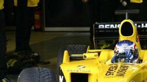 Jarek Janiš vyjíždí z boxů ve španělském Jerezu při testech ve stáji formule 1 Jordan.
