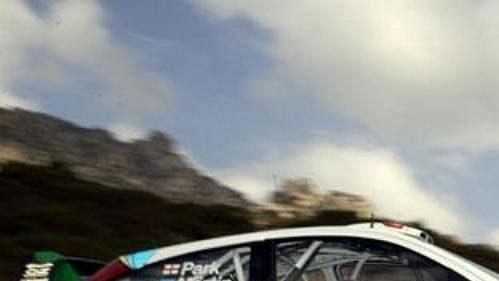 Martin na trati Rallye Korsika.