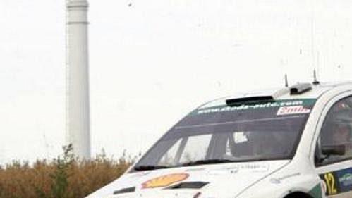 Toni Gardemeister s fabií na trati Německé rallye.
