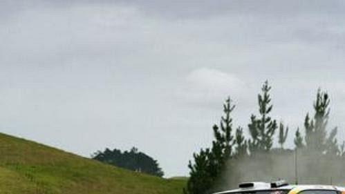 Sébastien Loeb s citroënem na trati shakedownu Rallye Nový Zéland.