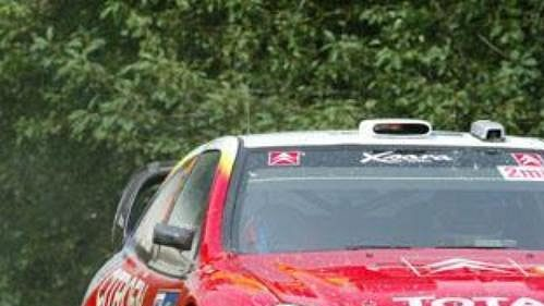 Sébastien Loeb s citroënem na trati Německé rallye.