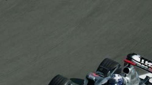David Coulthard na mclarenu při páteční kvalifikaci na GP Německa na okruhu v Hockenheimu.