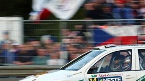 Didier Auriol odstoupil z Finské rallye během první etapy kvůli zranění ramene.
