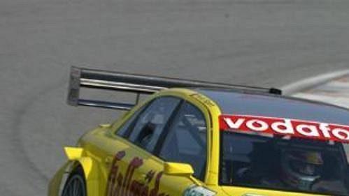 Tom Kristensen pilot týmu Sportsline s automobilem Audi A4 DTM při testování na Masarykově okruhu v Brně.