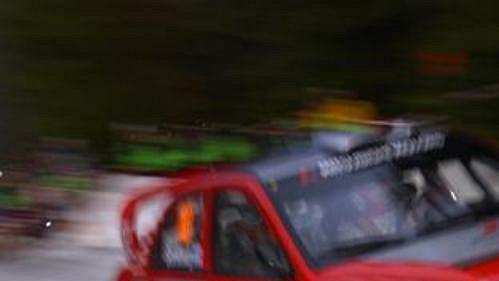 Fin Kristian Sohlberg s mitsubishi při první etapě Švédské rallye.
