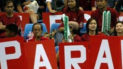 Thajské tenisové jedničce Paradonu Srichapanovi se na domácí půdě v zápase s Jiřím Novákem dostalo velké podpory.