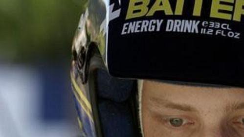 Hirvonen na trati Rallye Korsika.