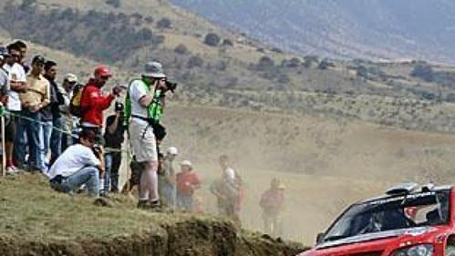Francouz Gilles Panizzi na trati druhé etapy Mexické rallye.