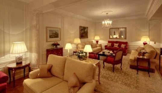 Prostorné pokoje jsou luxusně vybavené.