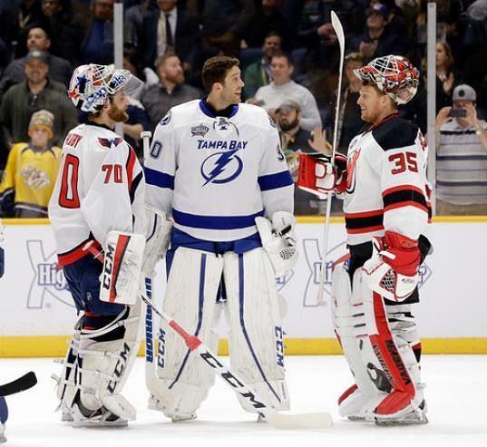 Brankáři Braden Holtby (70) z Washingtonu, Ben Bishop (30) z Tampy Bay a Cory Schneider (35) z New Jersey při dovednostních soutěžích NHL.