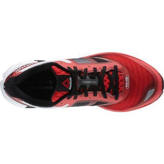 Reebok One Cushion - zpracování přední části boty uspokojí i běžce s širším chodidlem.