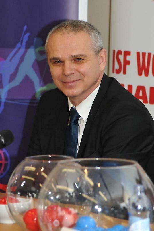 Patron mistrovství světa středních škol Vítězslav Lavička.