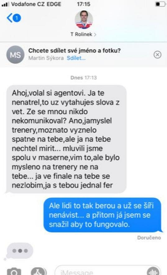 Generální ředitel Pardubic Martin Sýkora zveřejnil komunikace s Tomášem Rolinkem poté, co hráč odhalil důvody svého konce v Dynamu.