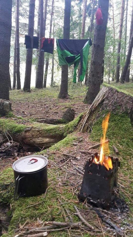 Sušení v lese má své kouzlo, ale jak dlouho se to dá vydržet?