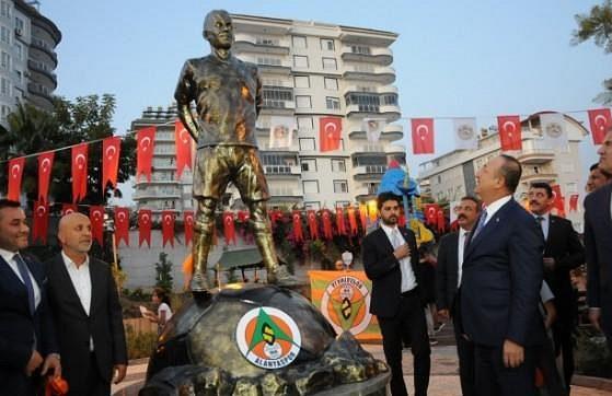 Turecký Alanyaspor uctil znovu památku tragicky zesnulého fotbalisty Josefa Šurala.