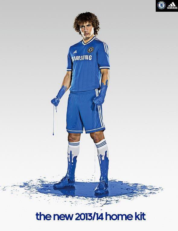 David Luiz v novém dresu Chelsea.