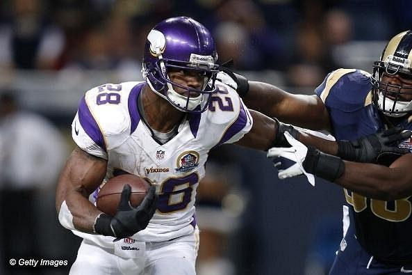 Peterson naběhal letos v osmi zápasech v řadě přes 100 yardů.