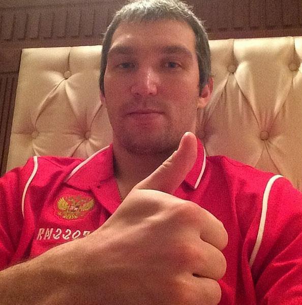 Alexander Ovečkin poslal fanouškům jednoznačný vzkaz: Jsem OK!