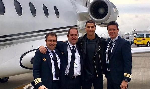 Cristiano Ronaldo před svým tryskáčem