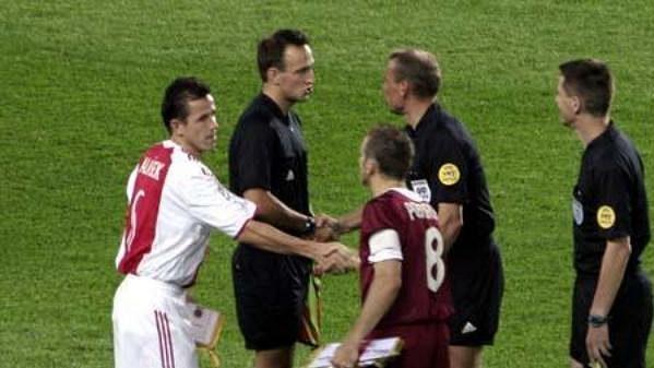 Kapitán Ajaxu Tomáš Galásek s Karlem Poborským před utkáním Sparta - Ajax.