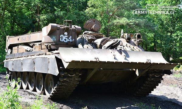 Vyprošťovací tank VT-72B