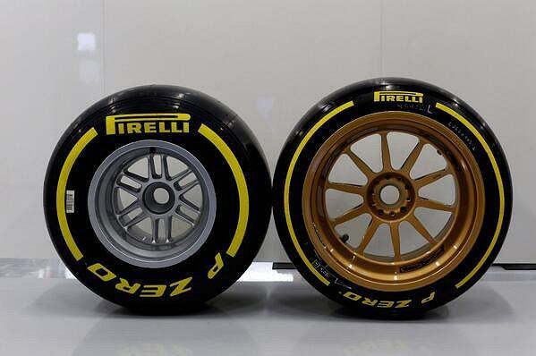 Minulost a budoucnost obutí F1? Vlevo současná pneumatika na 13palcovém ráfku, vpravo prototyp s 18palcovým ráfkem.