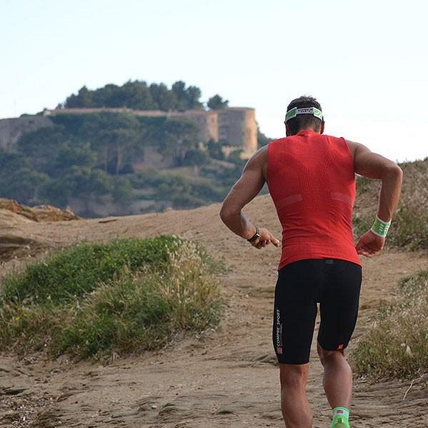 Kompresní šortky Compressport Run Short Multisport - předurčené pro horský trail.