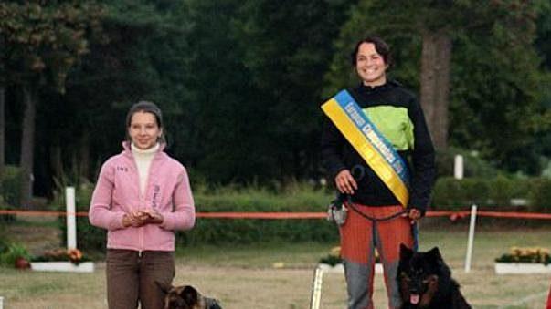 Za pouhé čtyři roky co se dogfrisbee věnuje, stihla Lucie Schönová posbírat už řadu vítězství a cen.