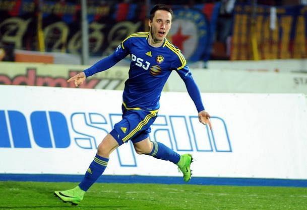 Jihlavský Davis Ikaunieks oslavuje vítězný gól, který dal Spartě.