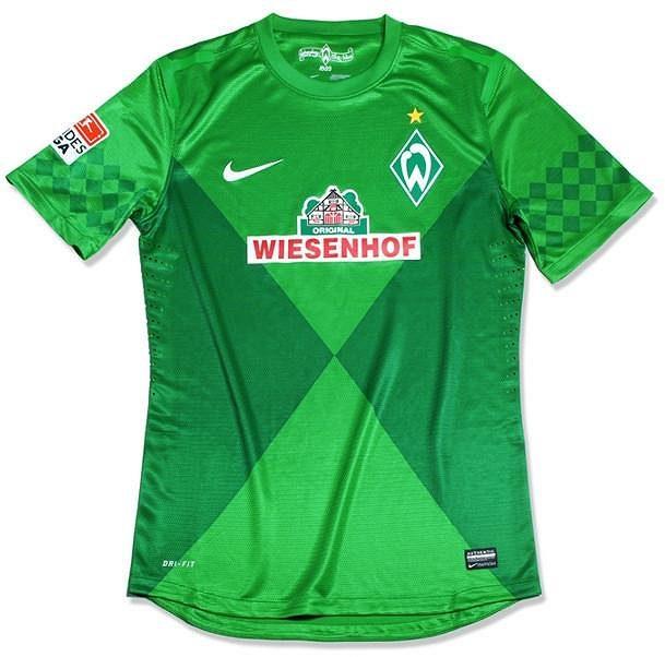 Nový dres fotbalistů Werderu Brémy s logem drůběžárny.