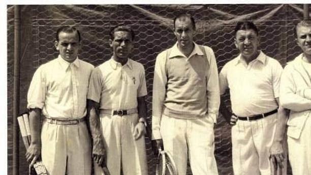 Tenisoví šampioni (zleva): Hans Nusslein, Karel Koželuh, Bill Tilden, a Roman Najuch.